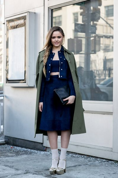 05-navy-crop-top-jacket-skirt-khaki-jacket-street-style