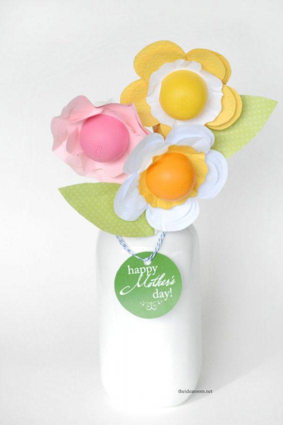 13-eos-lipbalm-gift-ideas