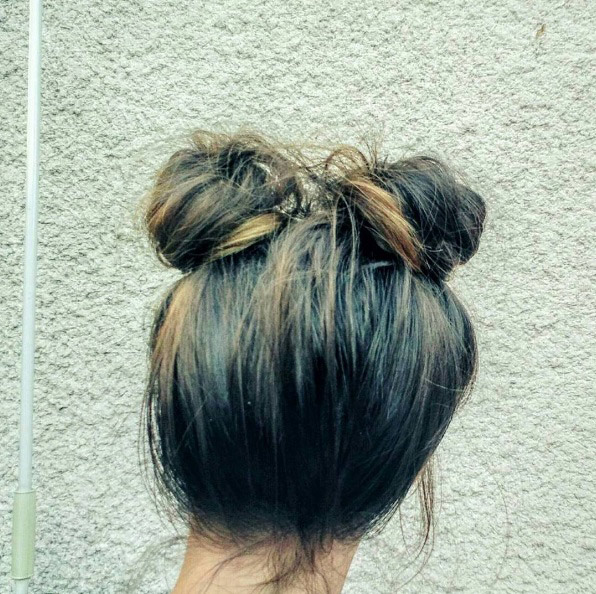 kapsalonhaarvisie-double-buns-no-part