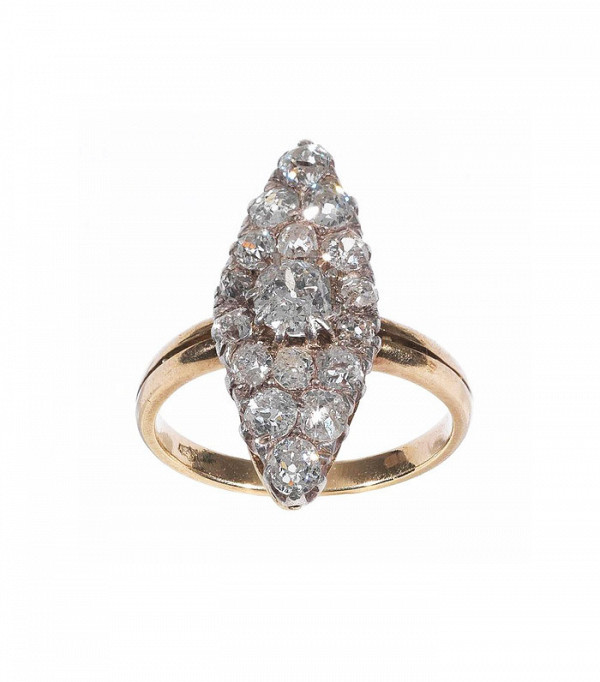 16-incredible-engagement-rings-for-every-budget-1933502-1476189304-600x0c