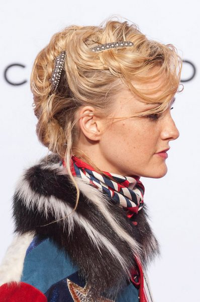 marc-jacobs-spring-2016-barrettes-messy-updo