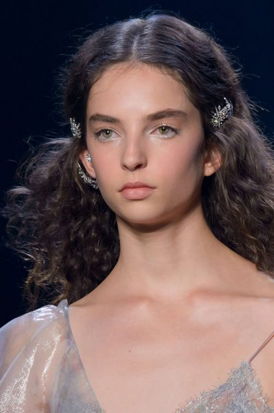 marchesa-spring-2017-double-barrettes