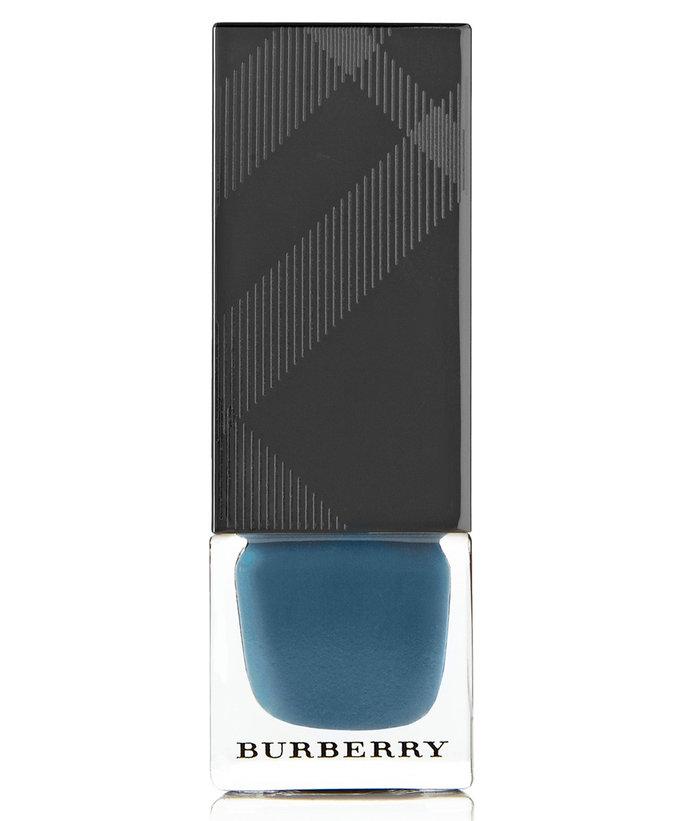 110816-dark-nail-polish-10