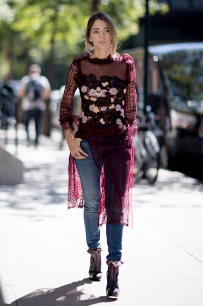 15-burgundy-floral-dress-jeans-street-style