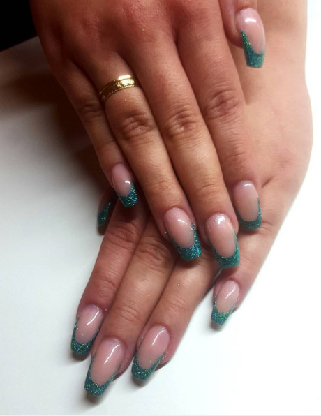 22-beautynailsbysara-turquoise-glitter-french-manicure