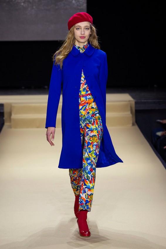 agnes-b-fall-2016-runway-blue-coat-red-beret-printed-pants