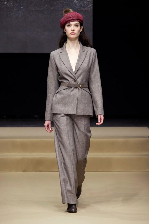 agnes-b-fall-2016-runway-gray-suit-maroon-beret