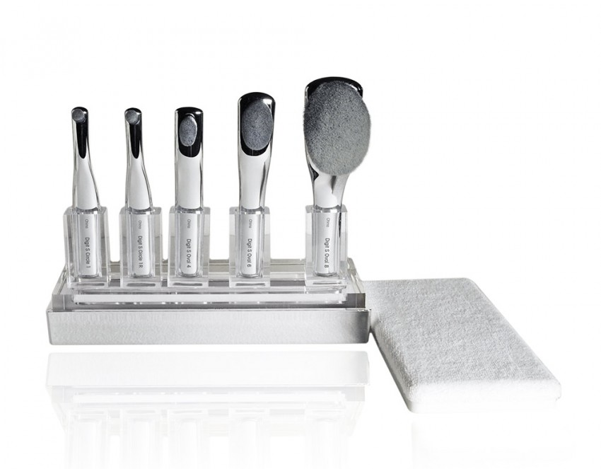artis-digit-skincare-brush-set-in-coffret