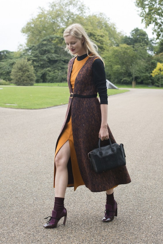 how-to-wear-summer-dresses-in-the-fall-4