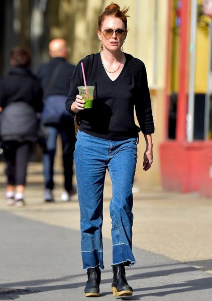 julianne-moore-daring-denim