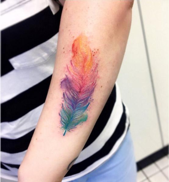 keirarosetattoo-arm-feather-watercolor-tattoo