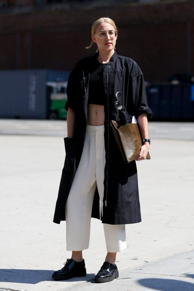 02-black-crop-top-white-pants-street-style