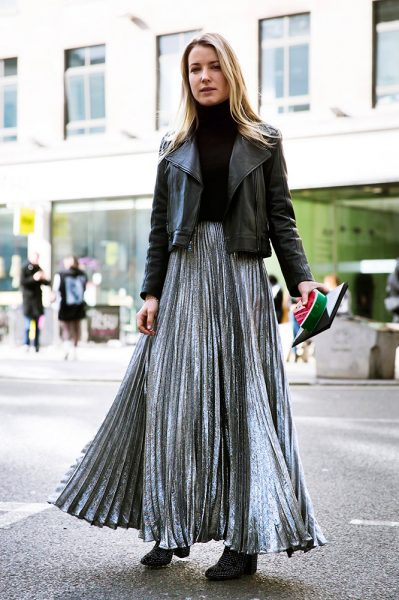 04-cropped-turtleneck-leather-jacket-pleated-skirt-street-style