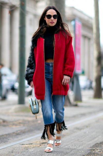 09-crop-top-red-jacket-jeans-street-style