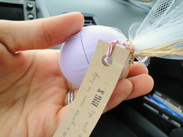 14-eos-lipbalm-gift-ideas