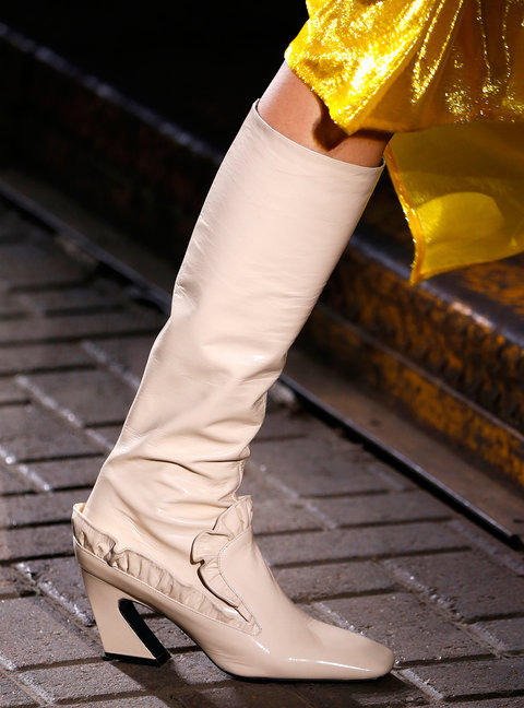 LONDON, UK - SEPTEMBER 18: A Shoe detail at the Mulberry show during London Fashion Week Spring/Summer collections 2017 on September 18, 2016 in London, United Kingdom. (Photo by Estrop/Getty Images)