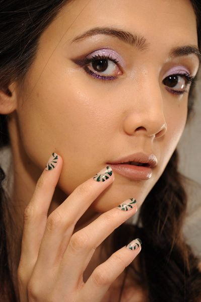 alice-and-olivia-cnd-spring-summer-2017-nail-trends
