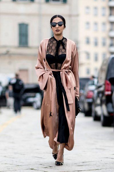 05-blush-robe-lace-blouse-black-pants-street-style