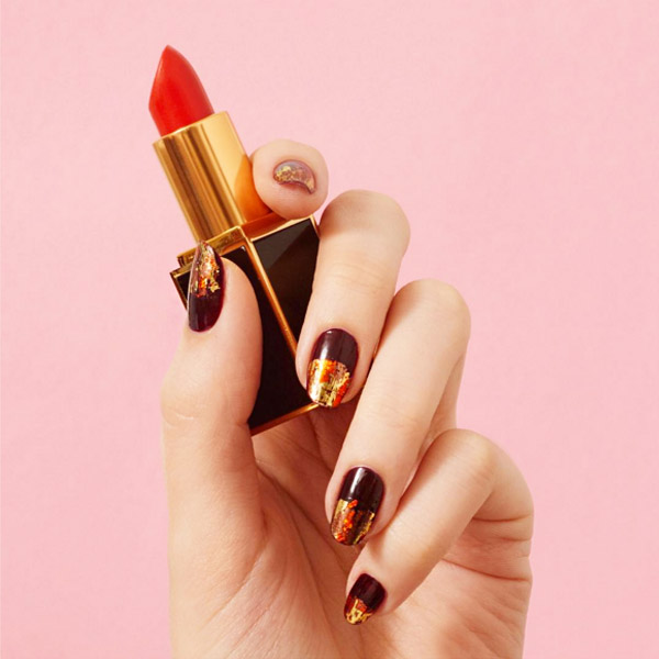 06-thefashionspot-logo-fall-nails