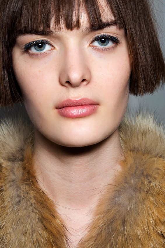 07-no21-fall-2014-glitter-eyeliner-makeup