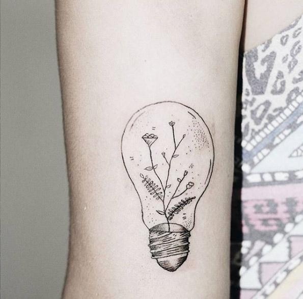 21-recifetattoos-black-line-light-bulb-flower-tattoo