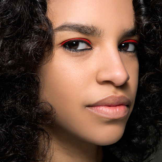 barbara-bui-fall-2016-red-black-eyeliner