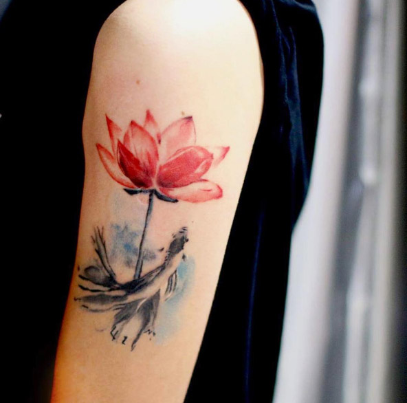 ching_artist-arm-flower-fish-watercolor-tattoo