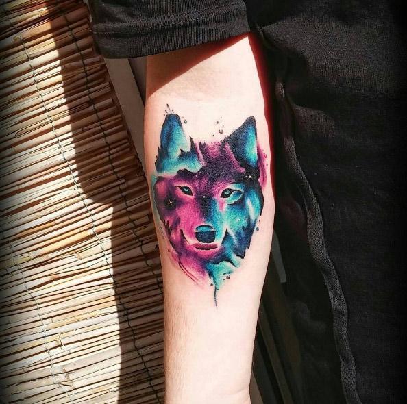 diamondtattoo92-arm-wolf-watercolor-tattoo