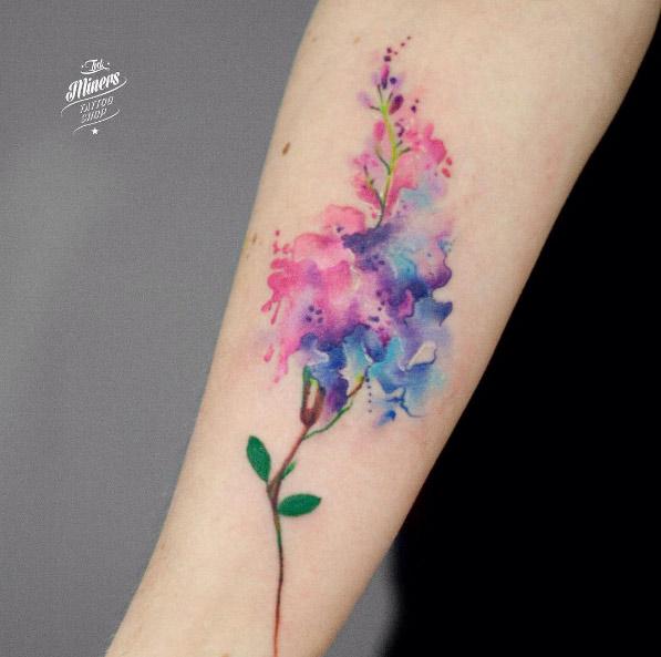 magdalena-bujak-arm-flower-watercolor-tattoo
