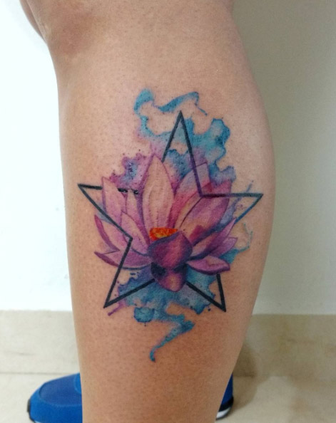 mandoalducin-leg-lotus-star-watercolor-tattoo