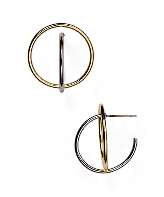 110816-gold-asymmetrical-earrings-4